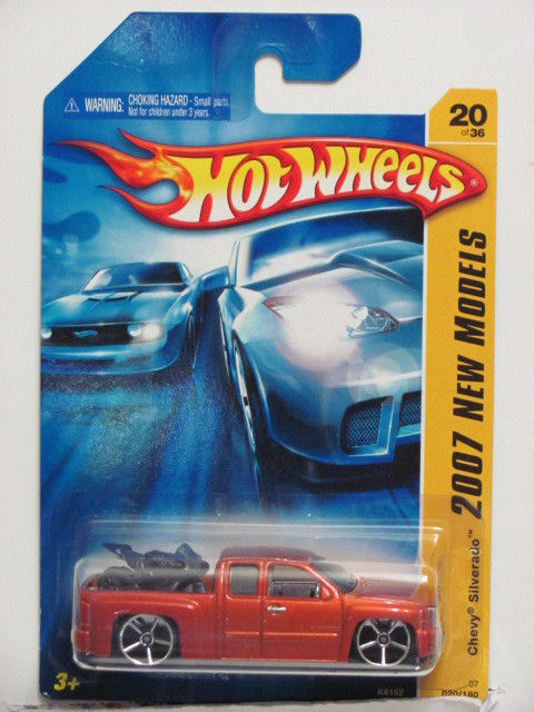 HOT WHEELS 2007 NEW MODELS CHEVY SILVERADO #20/36 ORANGE