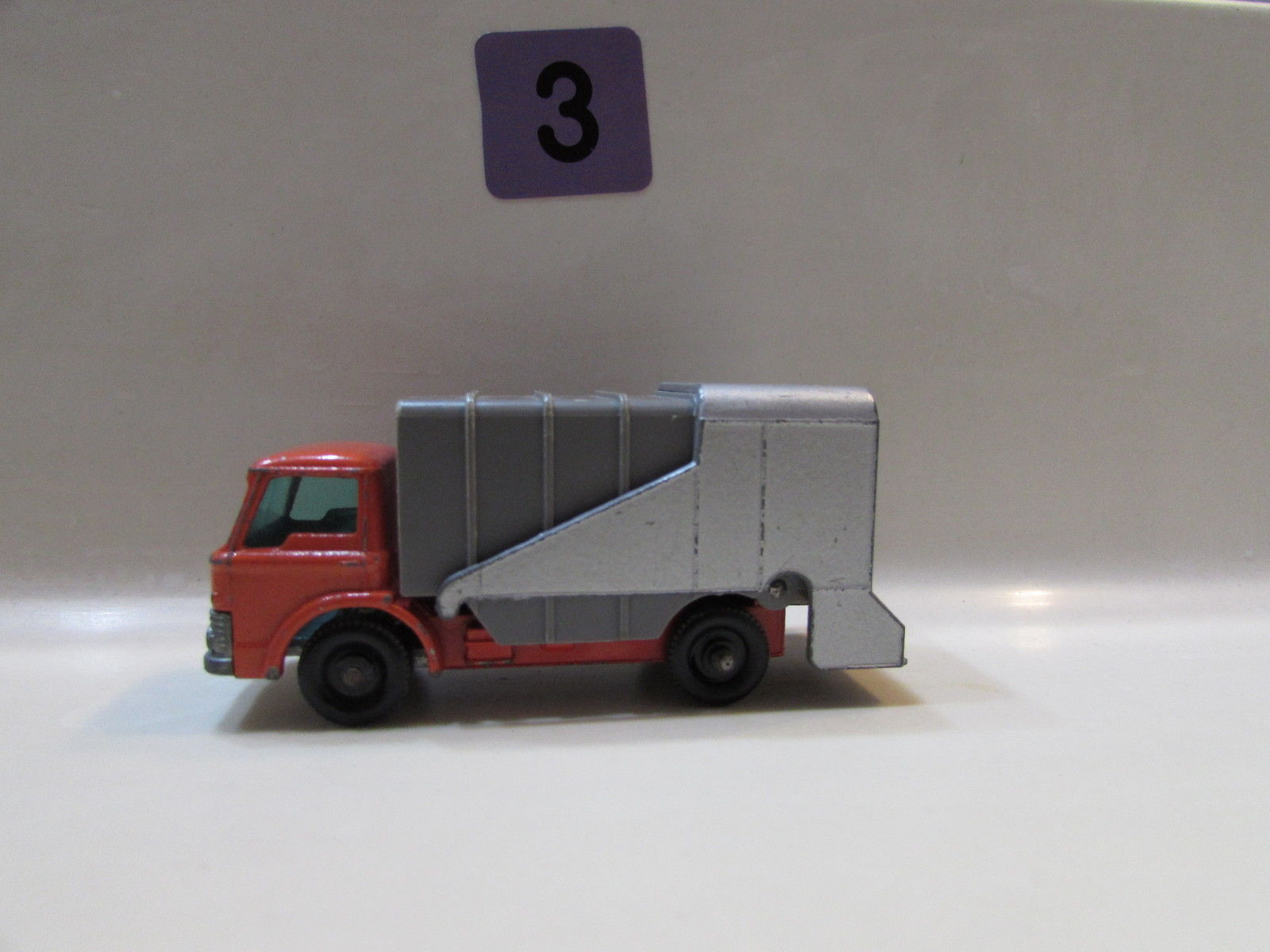 MATCHBOX - REFUSE TRUCK #7 LESNEY MADE IN ENGLAND LOOSE