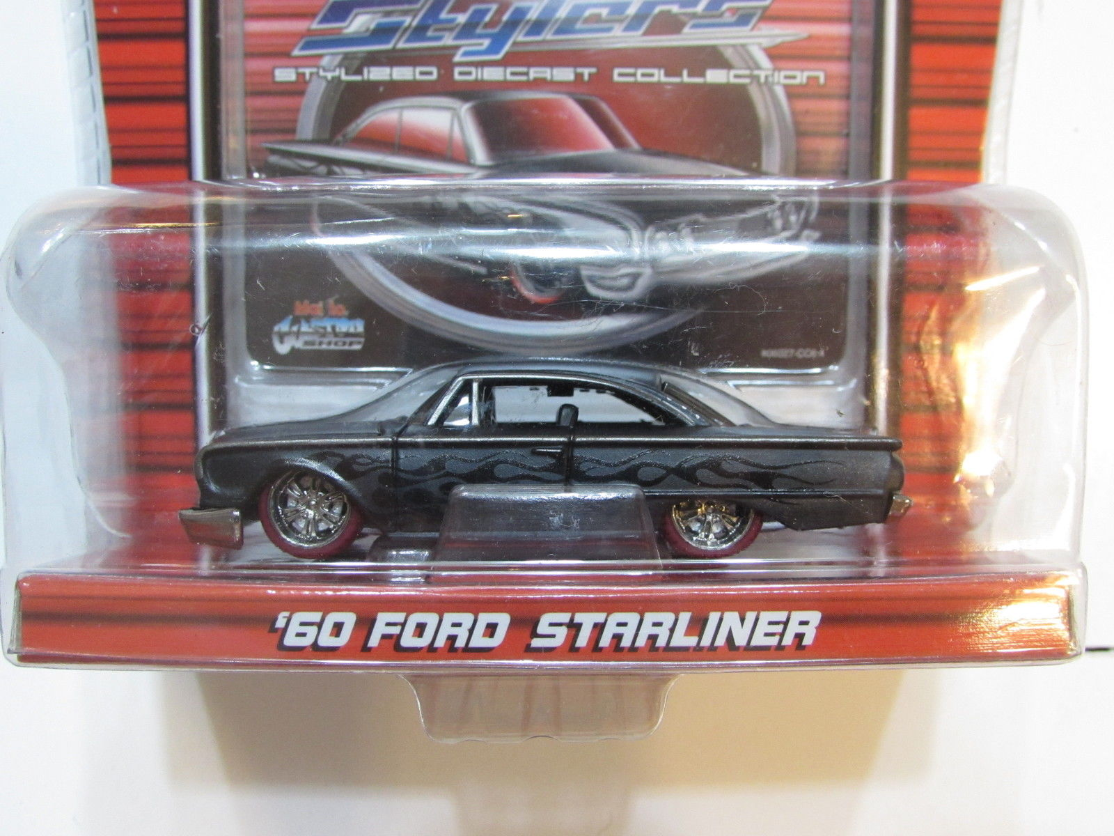 MAISTO CUSTOM SHOP PRO RODZ STYLERS '60 FORD STARLINER BLACK SCALE 1:64
