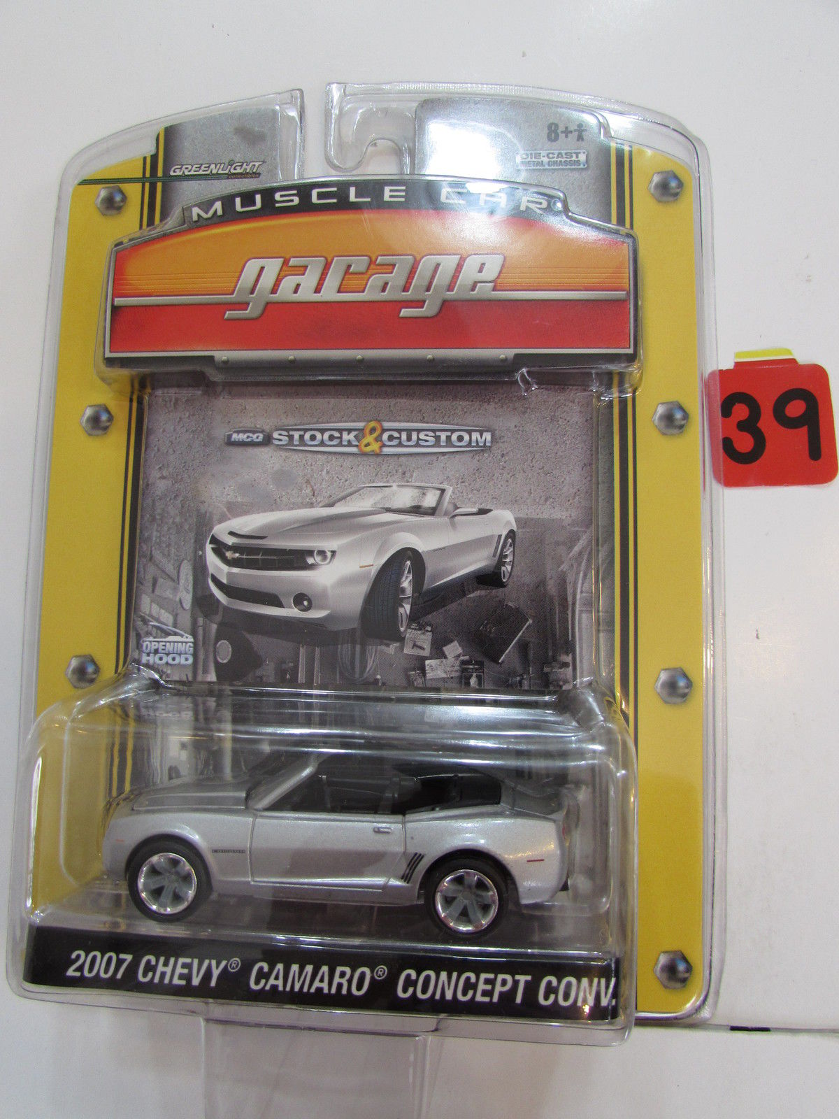 GREENLIGHT MUSCLE CAR GARAGE 2007 CHEVY CAMARO CONCEPT CONV SCALE 1:64