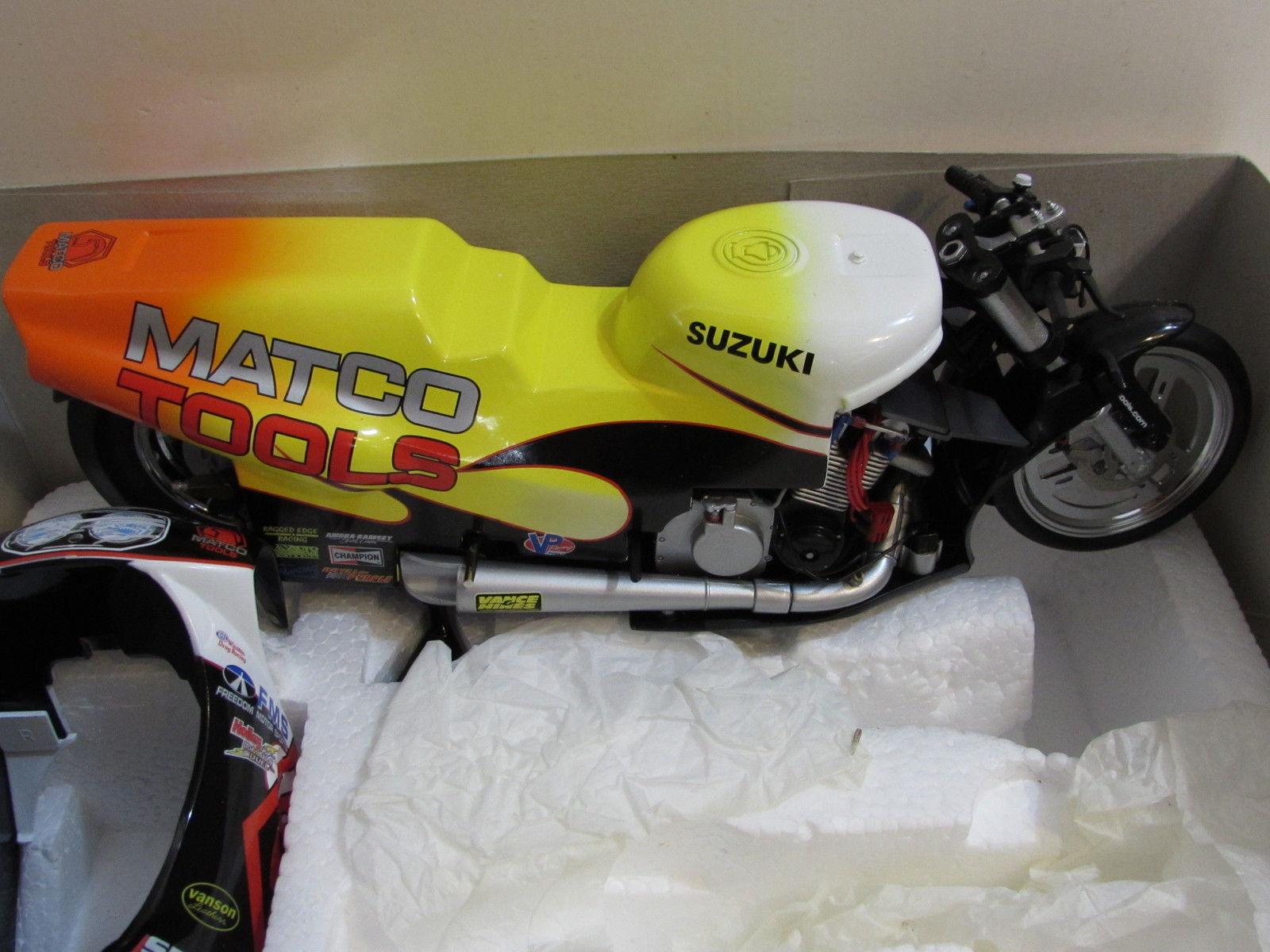 MATCO TOOLS 2000 PRO STOCK MOTORCYCLE SCALE 1:9