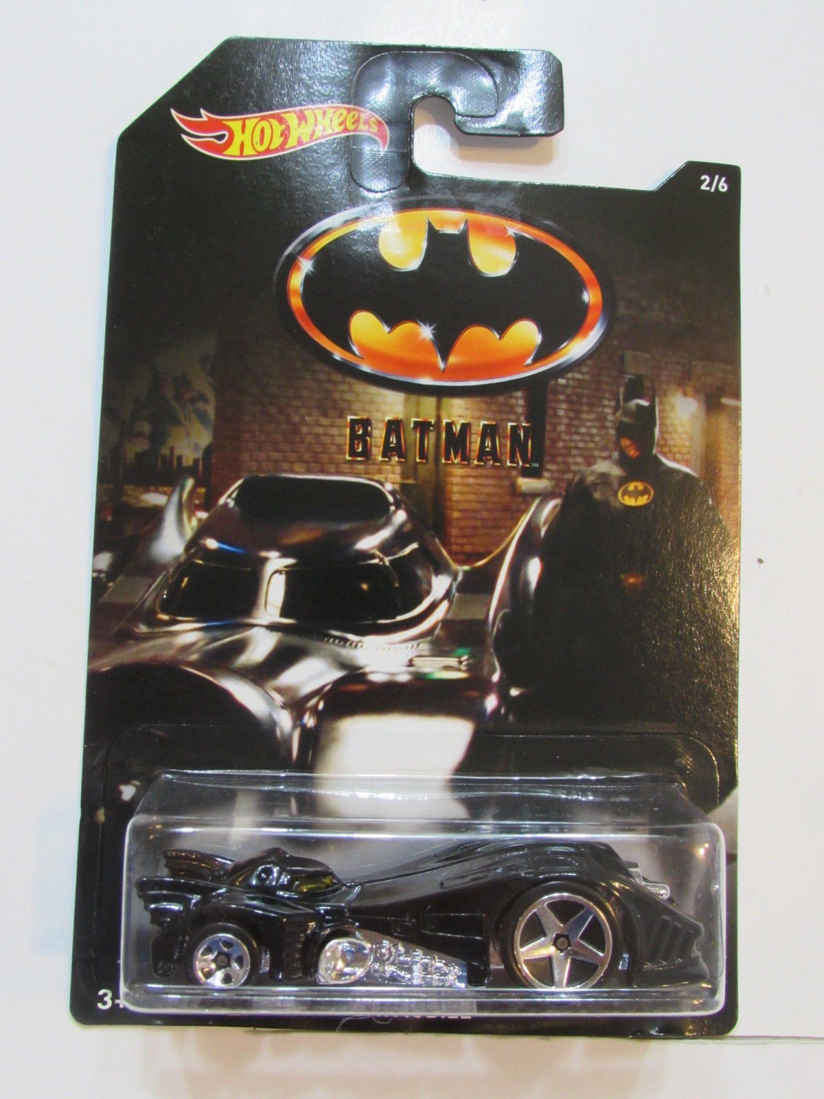 HOT WHEELS BATMAN 2015 BATMOBILE #02/06