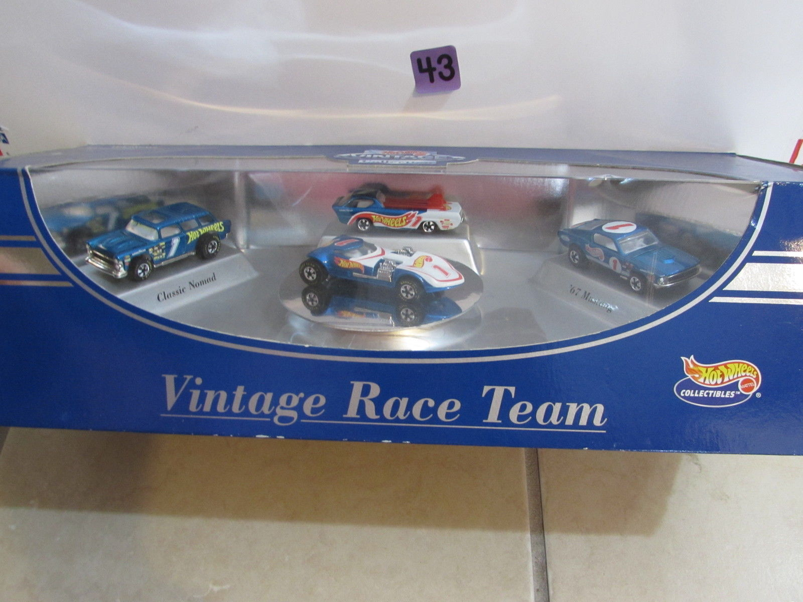 HOT WHEELS COLLECTIBLES VINTAGE RACE TEAM NOMAD - DEORA - MUSTANG - 4 CAR PACK