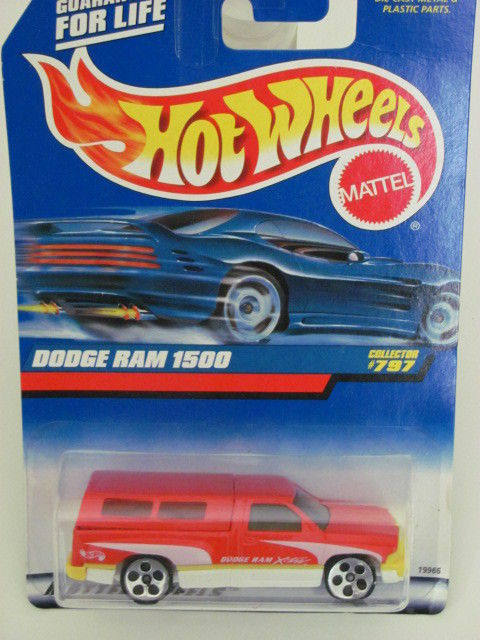 HOT WHEELS 1998 DODGE RAM 1500 COLLECT. 797 RED W/ 5 HOLE WHEELS