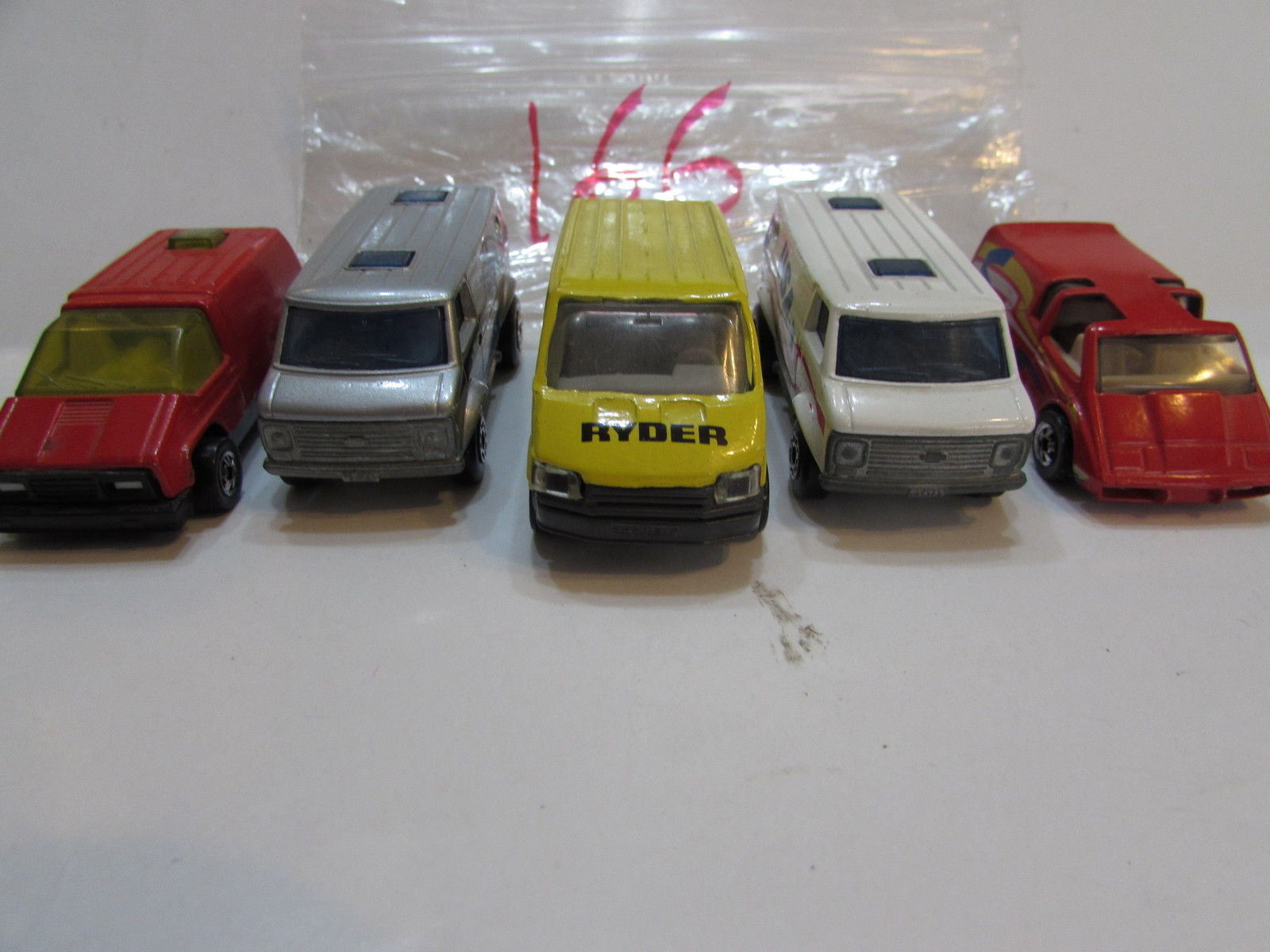 HOTWHEELS MATCHBOX LESNEY CHEVY VAN FORD TRSNSIT LOT OF 5 LOOSE ENGLAND BASE