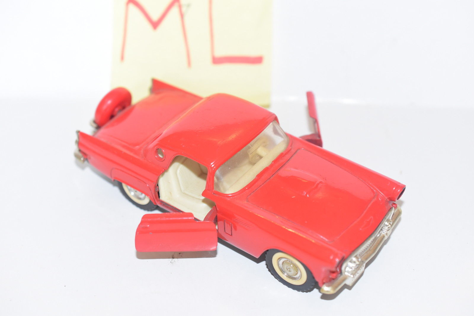 MAJORETTE '56 THUNDERBIRD RED SCALE 1/32 LOOSE