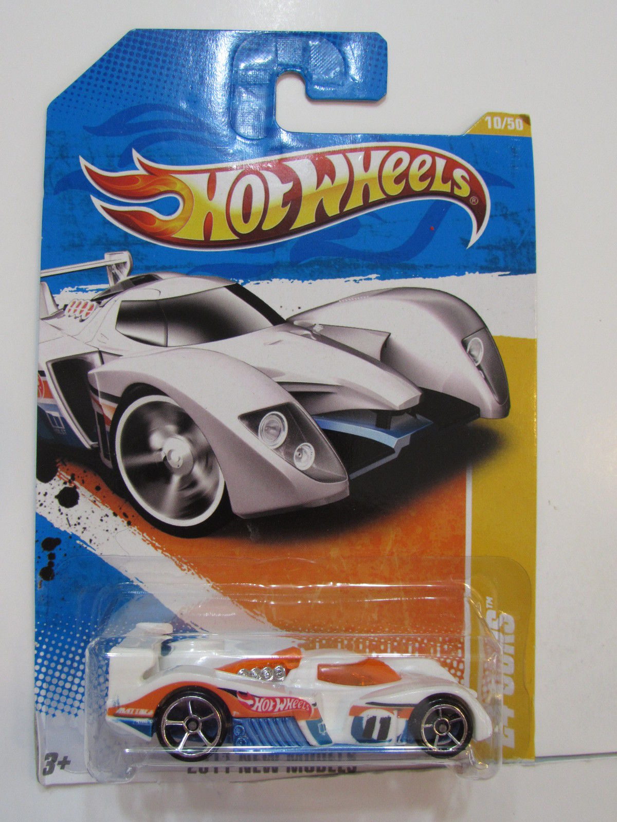 HOT WHEELS 2011 NEW MODELS #10/50 24 OURS WHITE