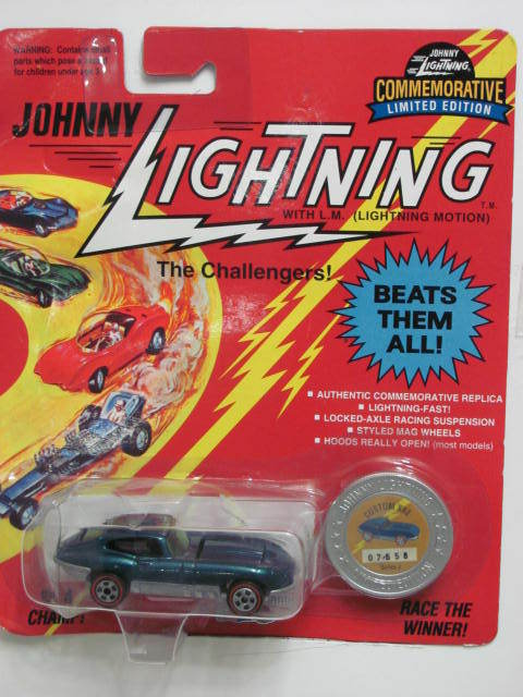 JOHNNY LIGHTNING COMMEMORATIVE CUSTOM XKE 1:64 GREEN