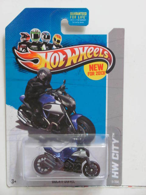 HOT WHEELS 2013 HW CITY - STREET POWER DUCATI DIAVEL BLUE