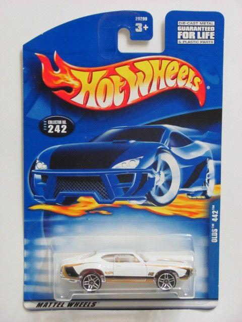 HOT WHEELS 2000 COLL #242 OLDS 442 WHITE