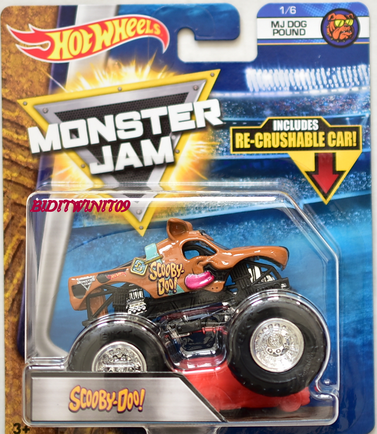 HOT WHEELS 2017 MONSTER JAM W/ RE-CRUSHABLE CAR SCOOBY-DOO MJ DOG POUND