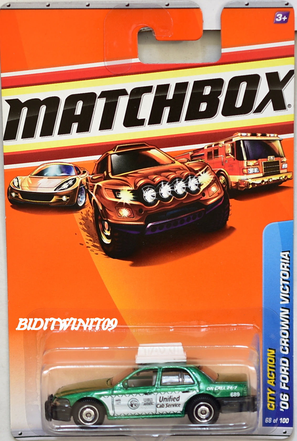 MATCHBOX 2010 CITY ACTION '06 FORD CROWN VICTORIA GREEN E+