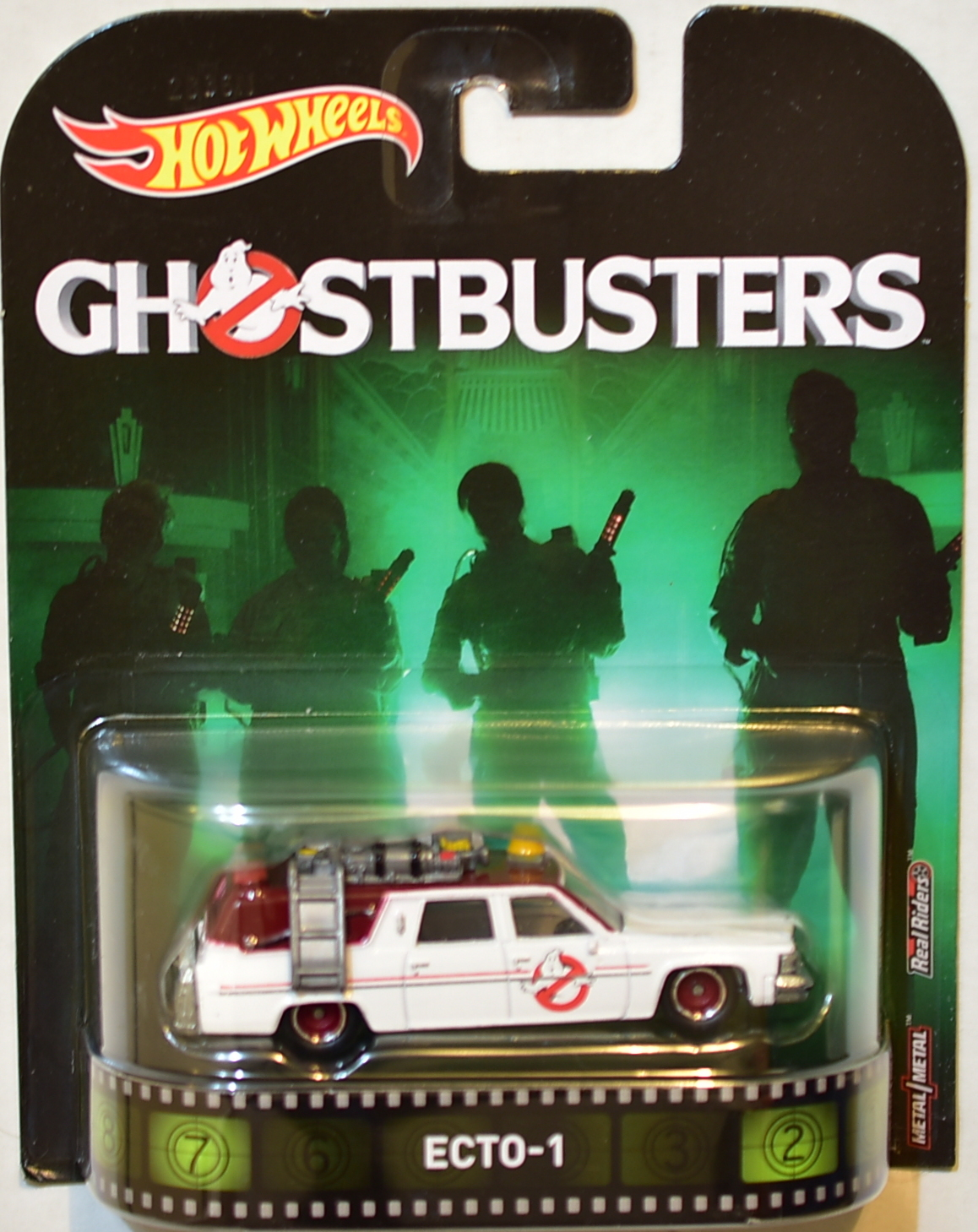 HOT WHEELS 2017 RETRO ENTERTAINMENT GHOSTBUSTERS ECTO-1 E+