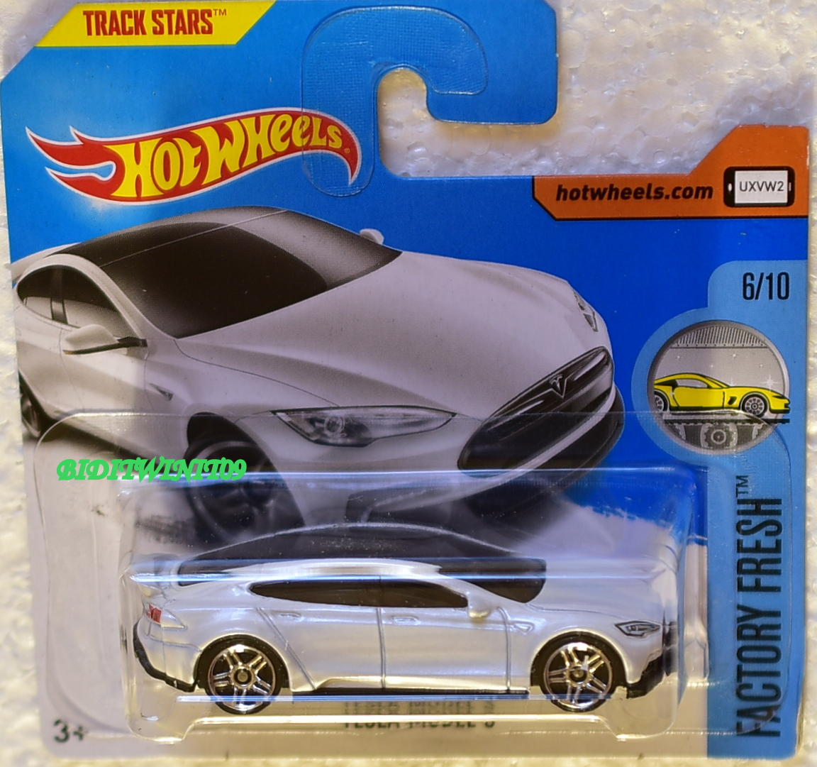 HOT WHEELS 2017 FACTORY FRESH TESLA MODEL S #6/10 WHITE SHORT CARD