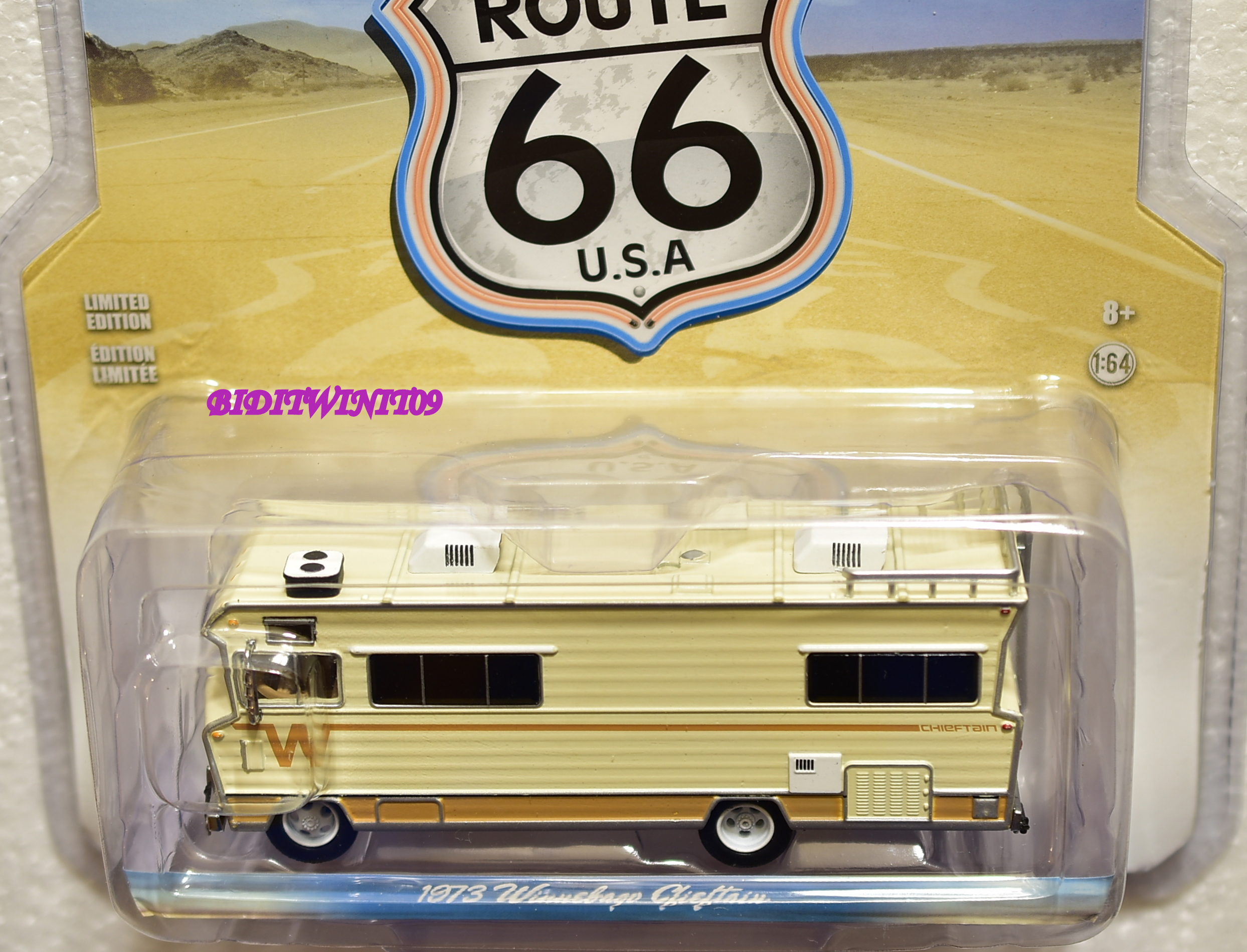 GREENLIGHT ROUTE 66 U.S.A 1973 WINNEBAGO CHIEFTAIN E+