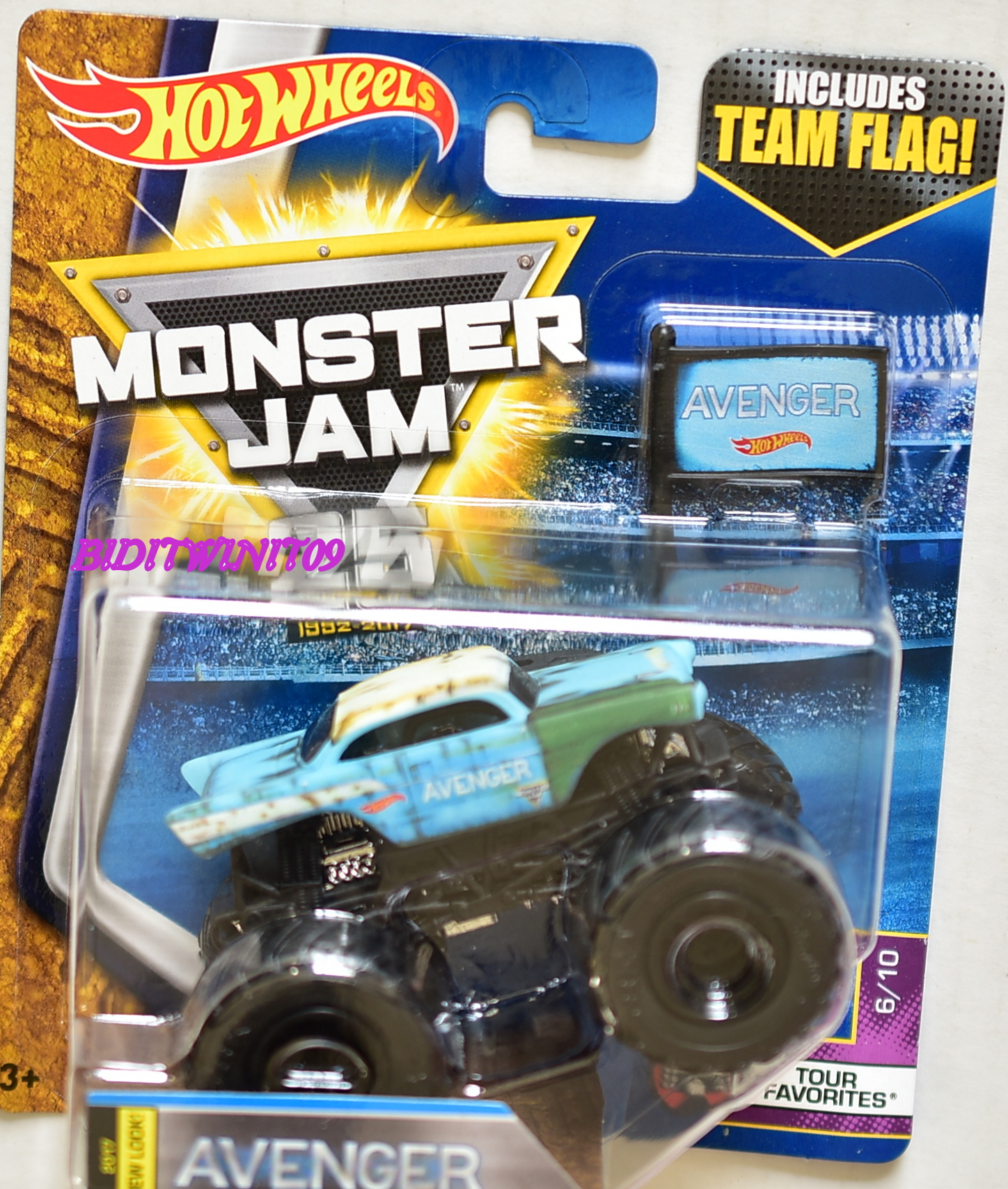 HOT WHEELS 2017 MONSTER JAM INCLUDES TEAM FLAG AVENGER NEW LOOK