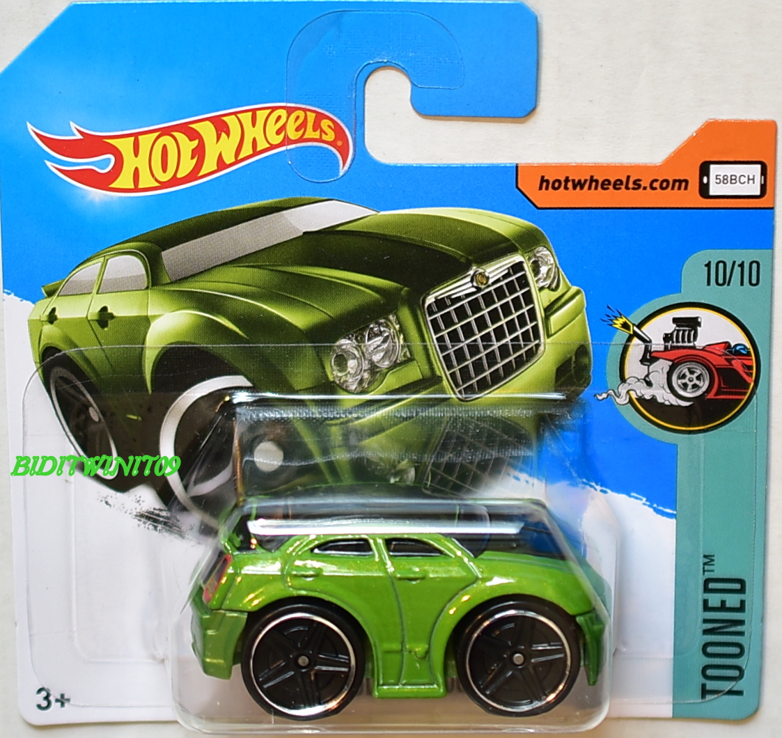 HOT WHEELS 2017 TOONED CHRYSLER 300C #10/10 GREEN SHORT CARD