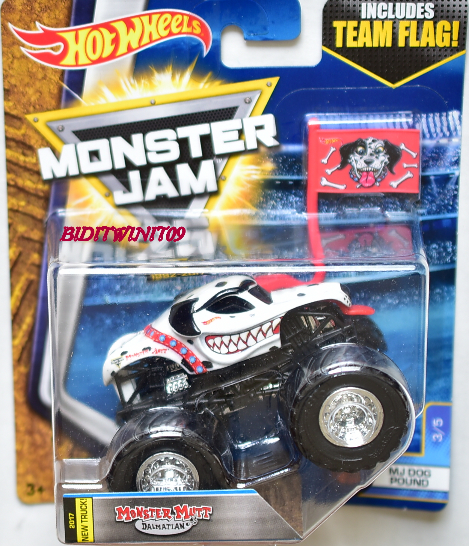 HOT WHEELS 2017 MONSTER JAM INCLUDES MONSTER MUTT DALMATIAN MJ DOD POUND