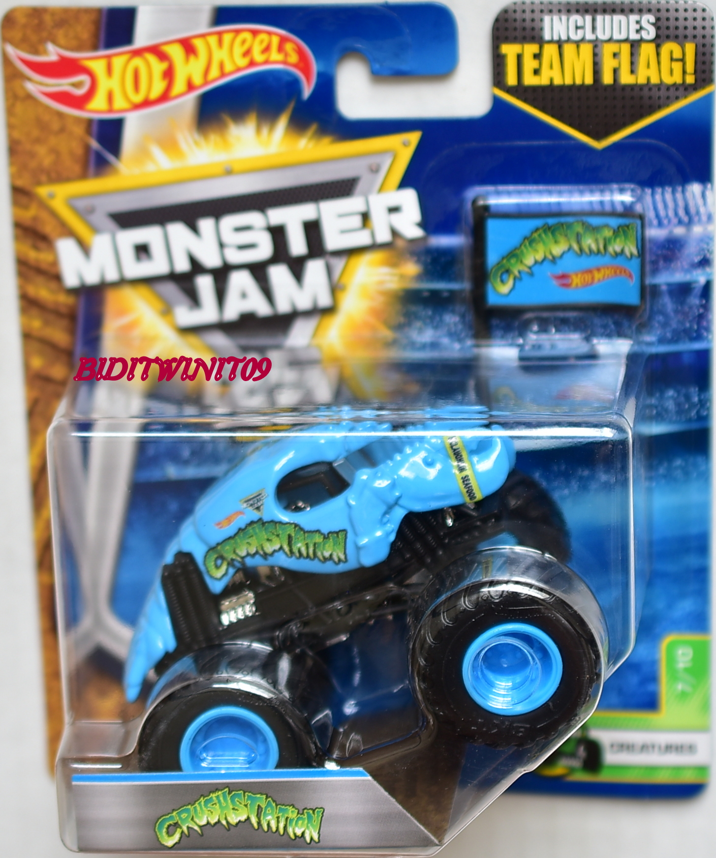 HOT WHEELS 2017 MONSTER JAM INCLUDES TEAM FLAG CRUSHSTATION - CREATURES