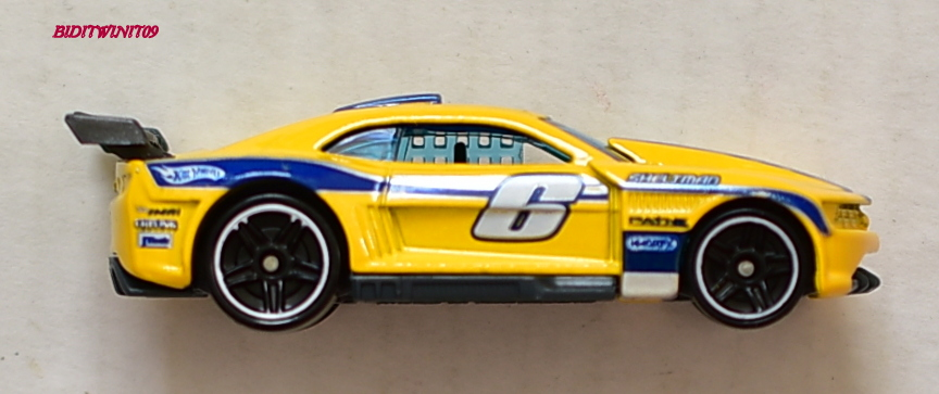 HOT WHEELS 2011 MYSTERY MODELS CUSTOM CAMARO #01 LOOSE E+