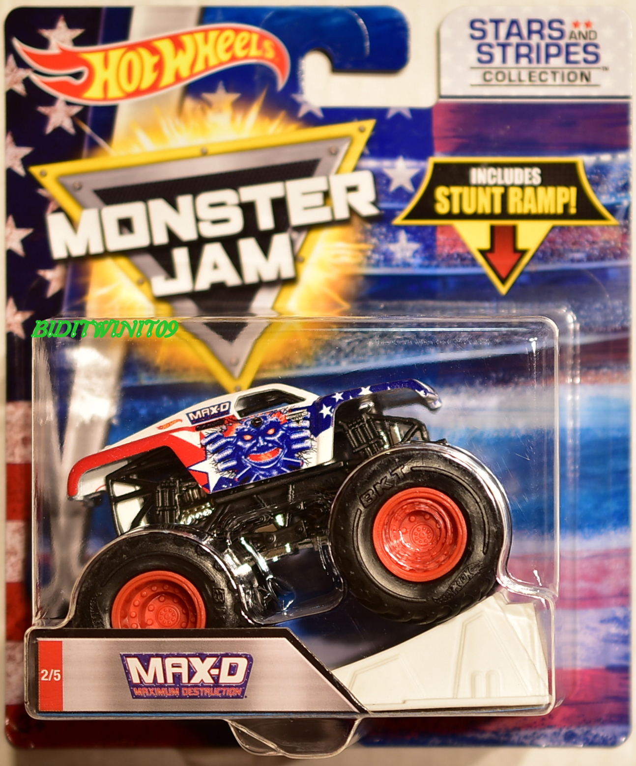HOT WHEELS MONSTER JAM STARS AND STRIPERS COLLECTION STUNT RAMP MAX-D #2/5