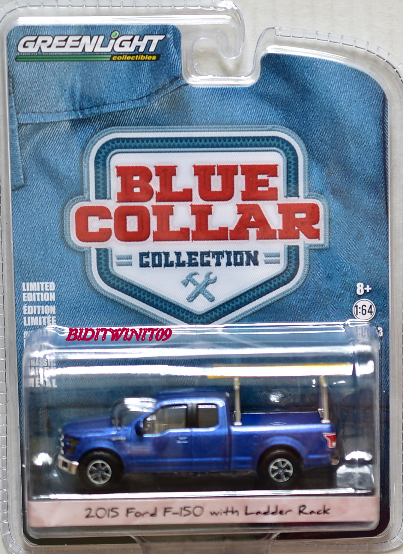 GREENLIGHT BLUE COLLAR 2015 FORD F-150 WITH LADDER RACK