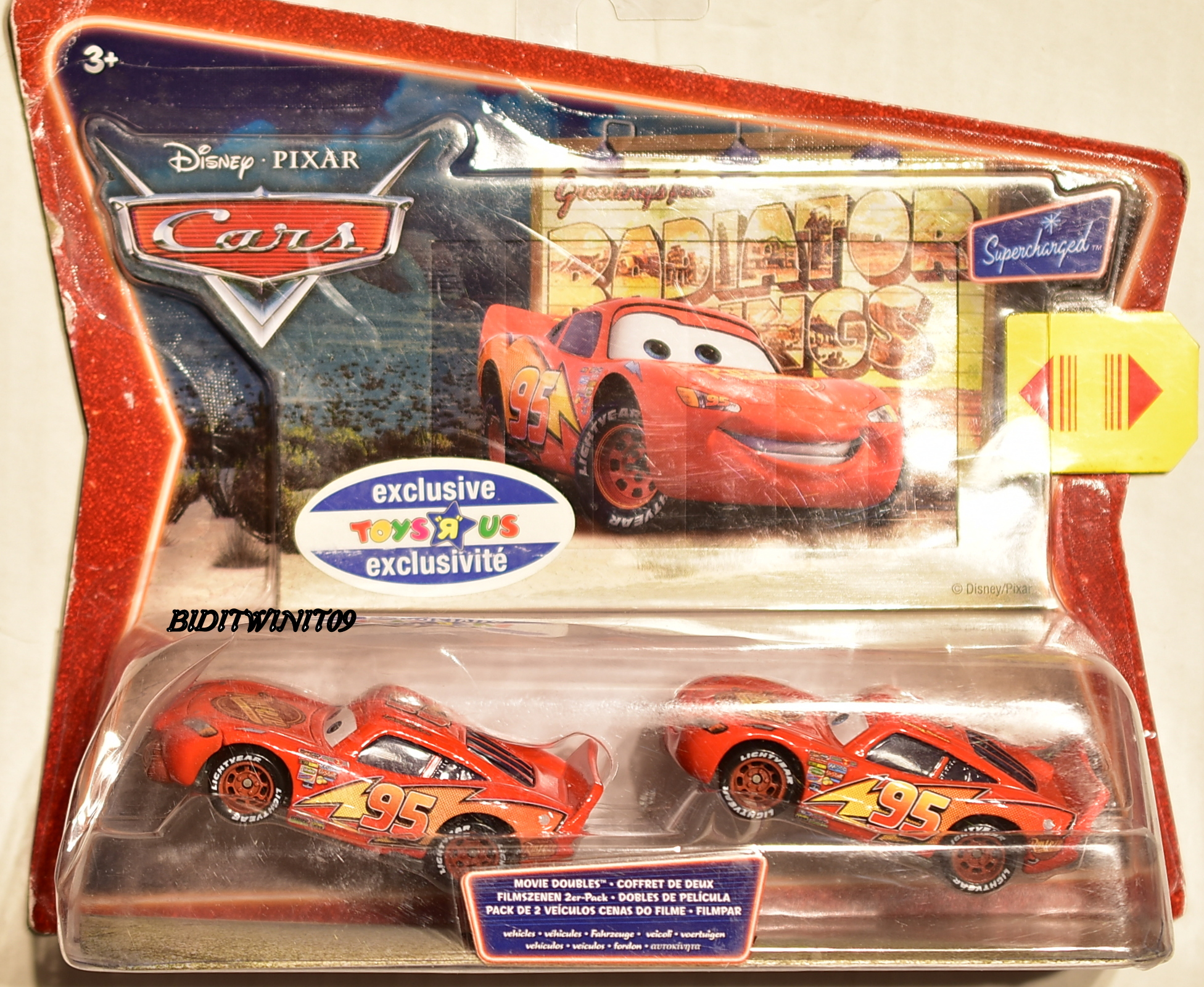 DISNEY PIXAR CARS TOYS'R US EXCLUSIVE LIGHTNING MC QUEEN 2 CAR PACK BAD CARD E+