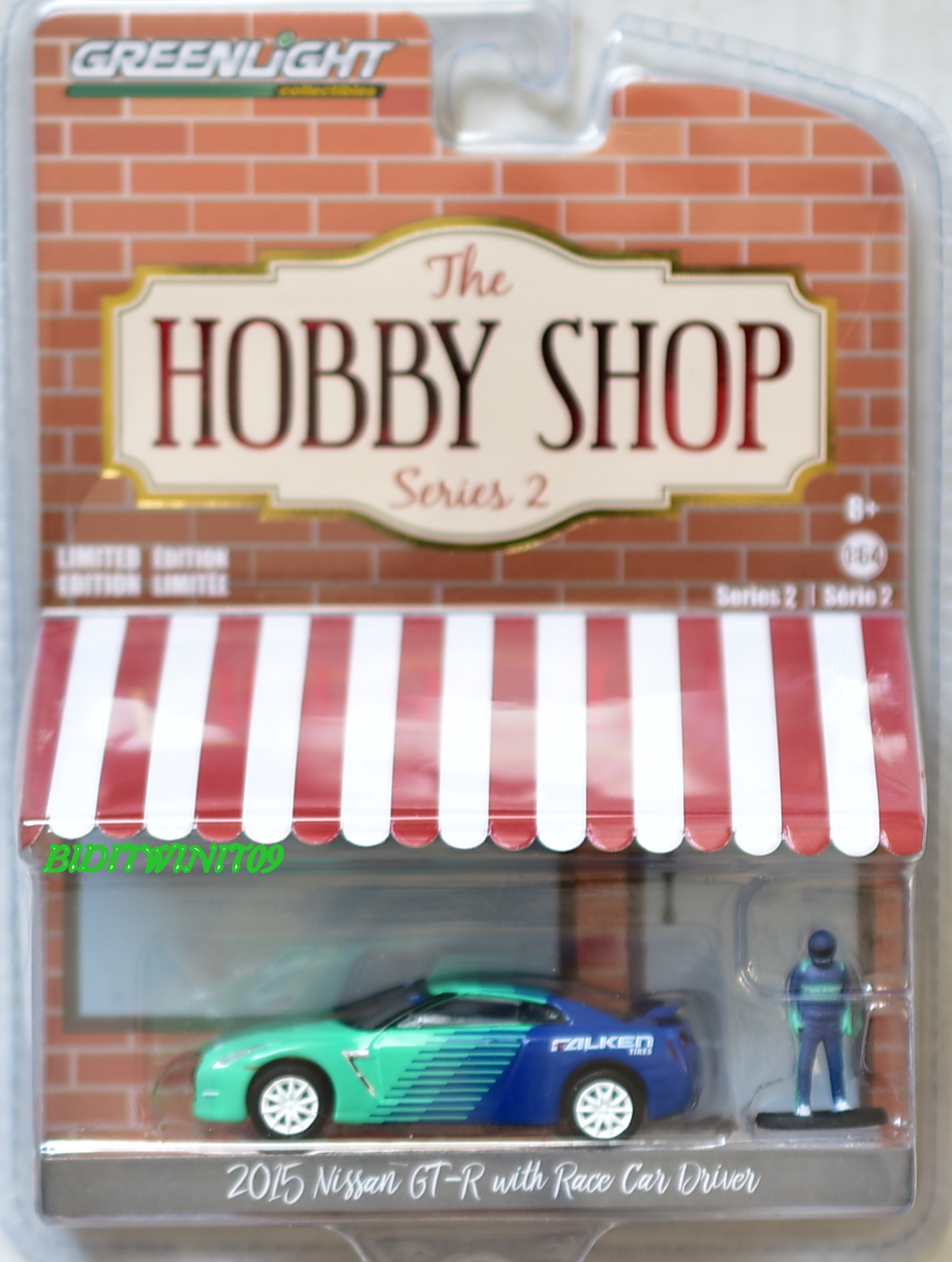 GREENLIGHT HOBBY SHOP SERIES 2 2015 NISSAN GT-R WITH RACE CAR DRIVER FALKEN