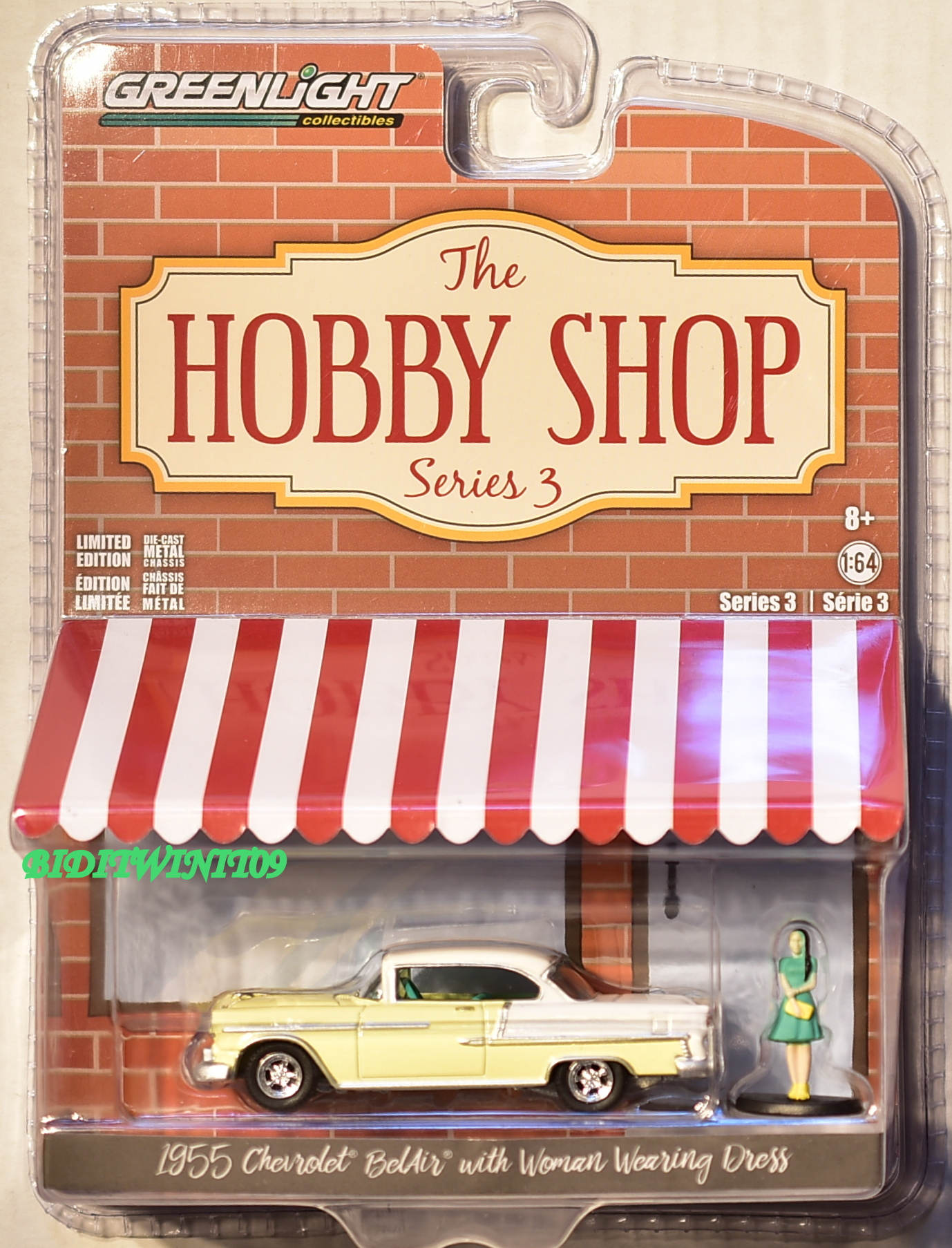 GREENLIGHT 2018 HOBBY SHOP 1955 CHEVROLET BELAIR WITH WOMAN WEARING DRESS