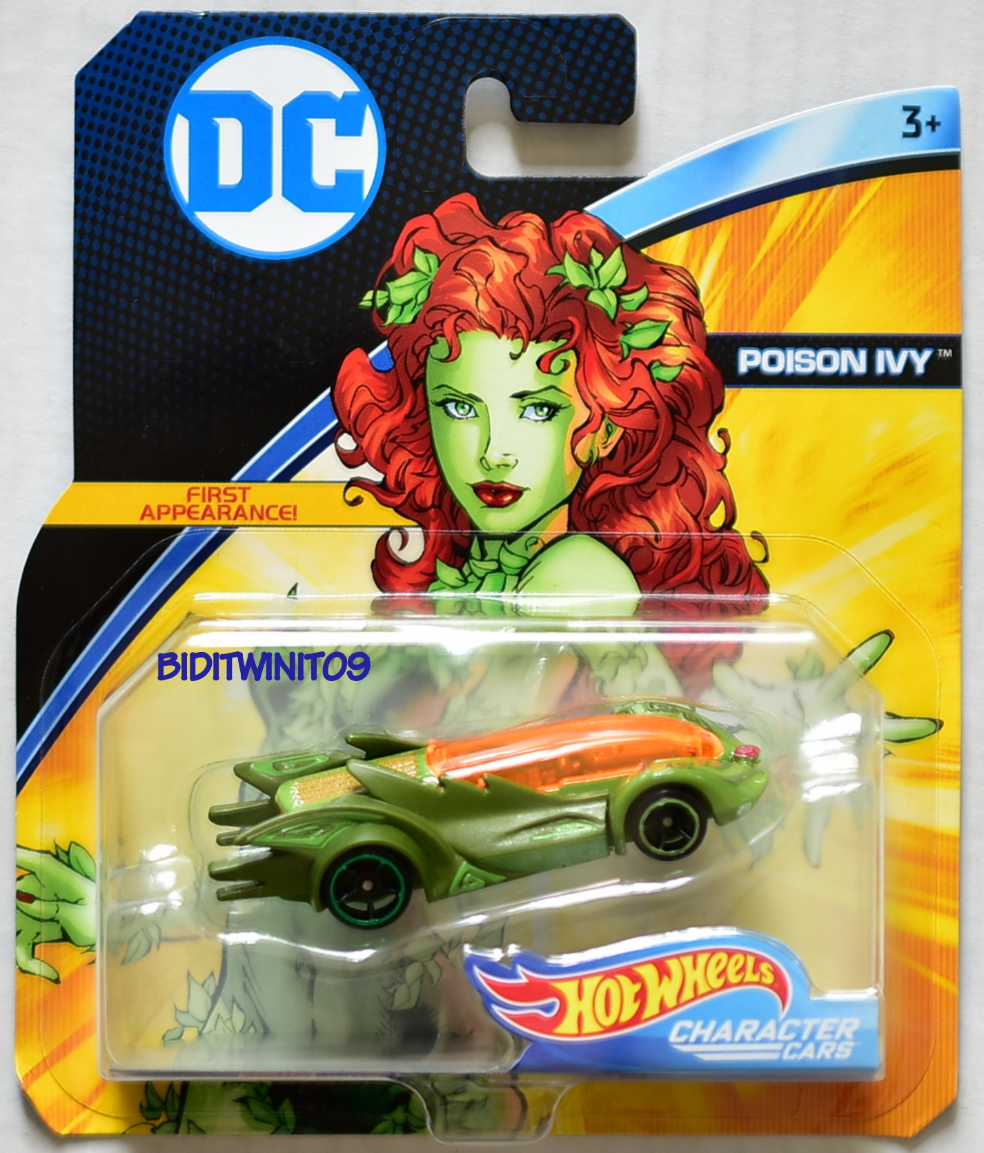 HOT WHEELS DC COMICS POISON IVY FIRST APPEARANCE CHARACTER CARS