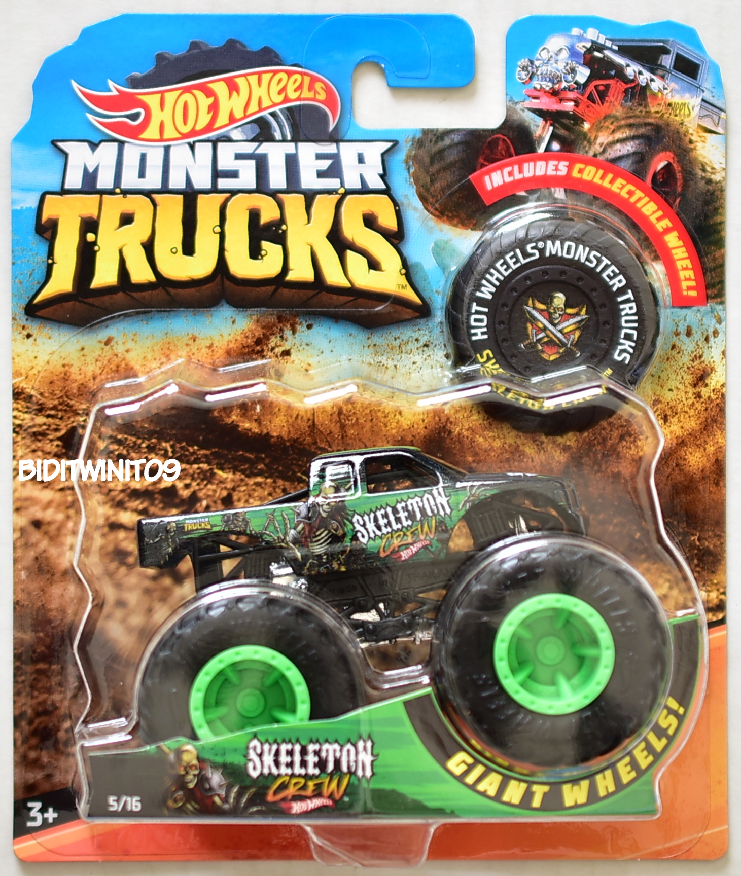 HOT WHEELS 2018 MONSTER TRUCKS GIANT WHEELS SKELETON CREW
