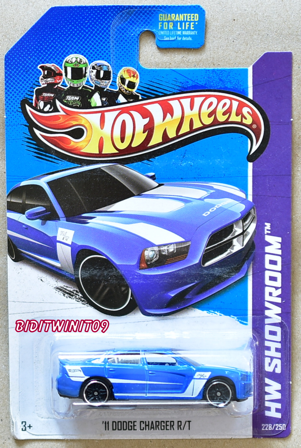 HOT WHEELS 2013 THEN & NOW - HW SHOWROOM '11 DODGE CHARGER R/T E+
