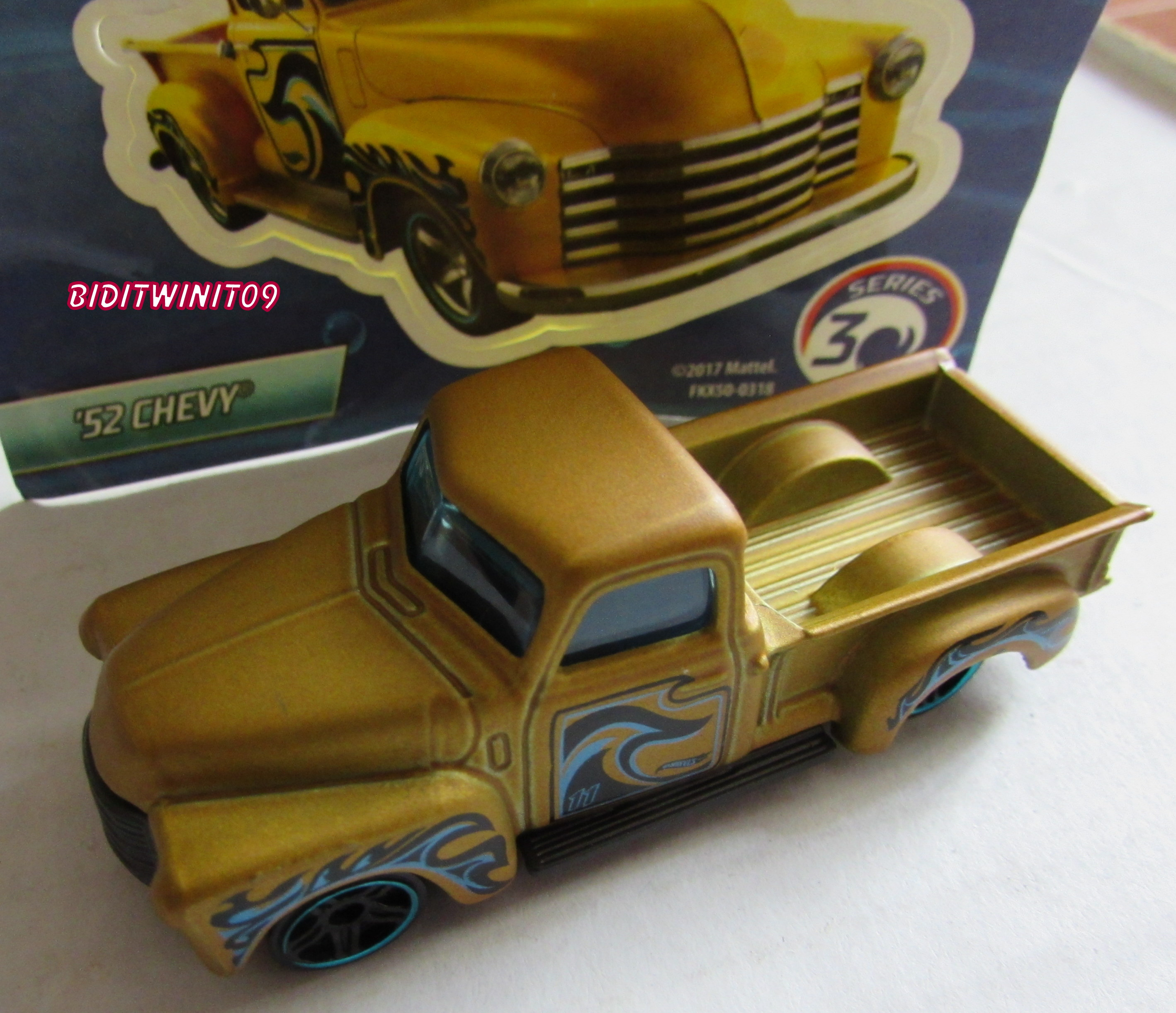 HOT WHEELS 2018 MYSTERY CAR '52 CHEVY