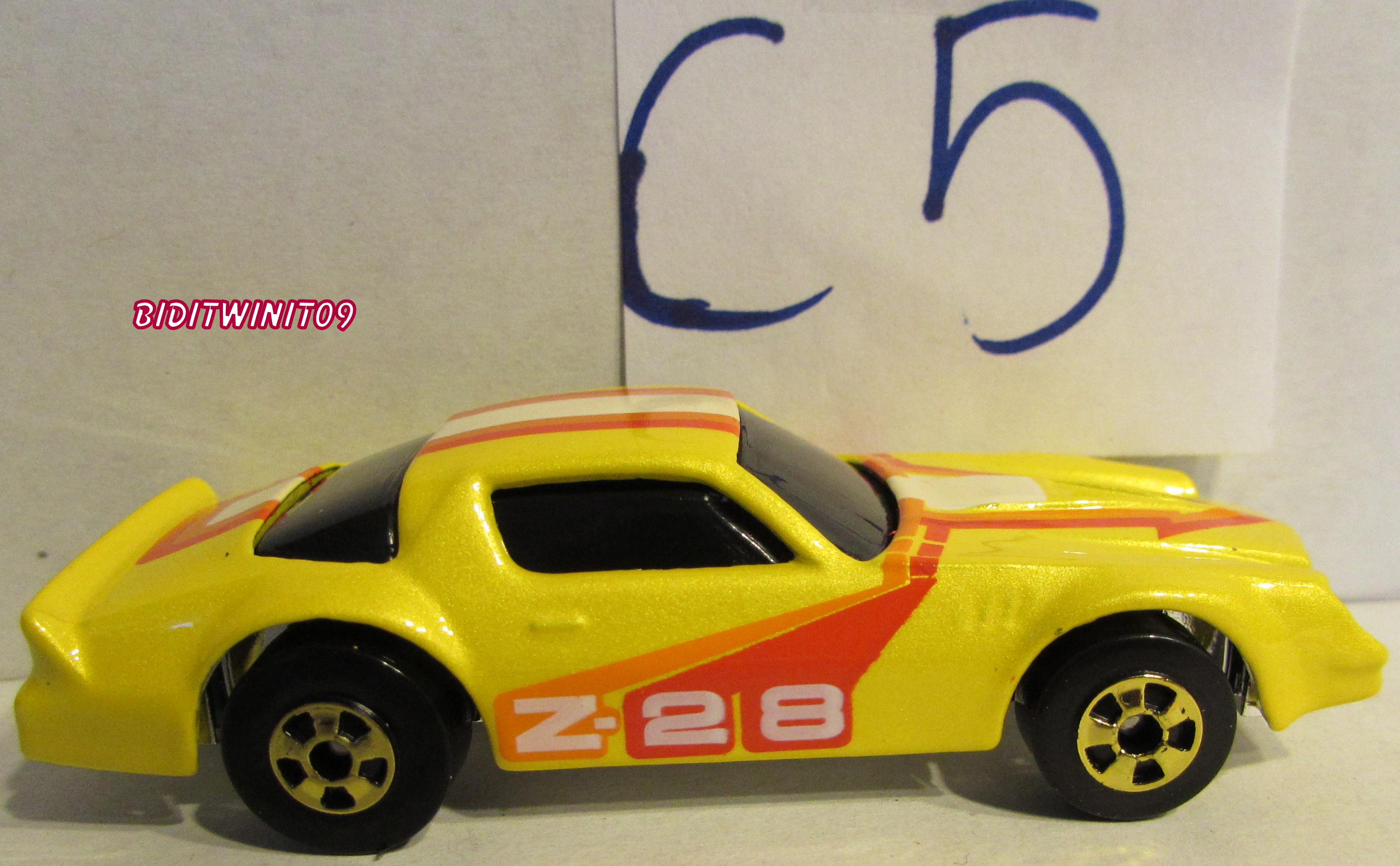 HOT WHEELS SINCE 68 40TH ANNIVERSARY SET CAMARO Z 28 LOOSE E+