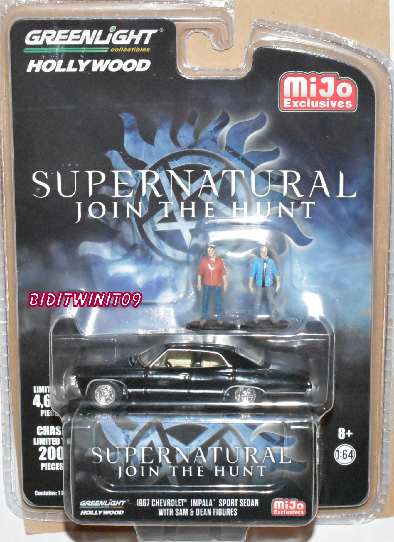GREENLIGHT 2018 1967 CHEVY IMPALA W/ FIGURES SUPERNATURAL MIJO EXCLUSIVES