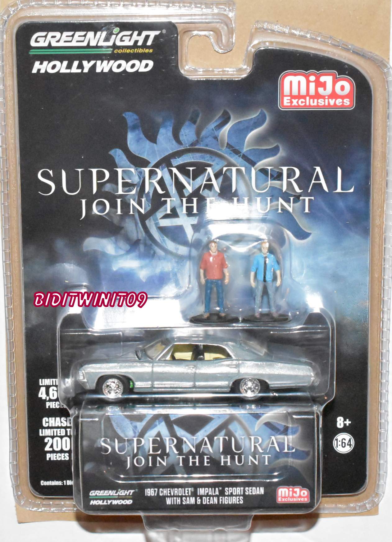GREENLIGHT 2018 1967 CHEVY IMPALA W/ FIGURES SUPERNATURAL MIJO ZAMAC CHASE