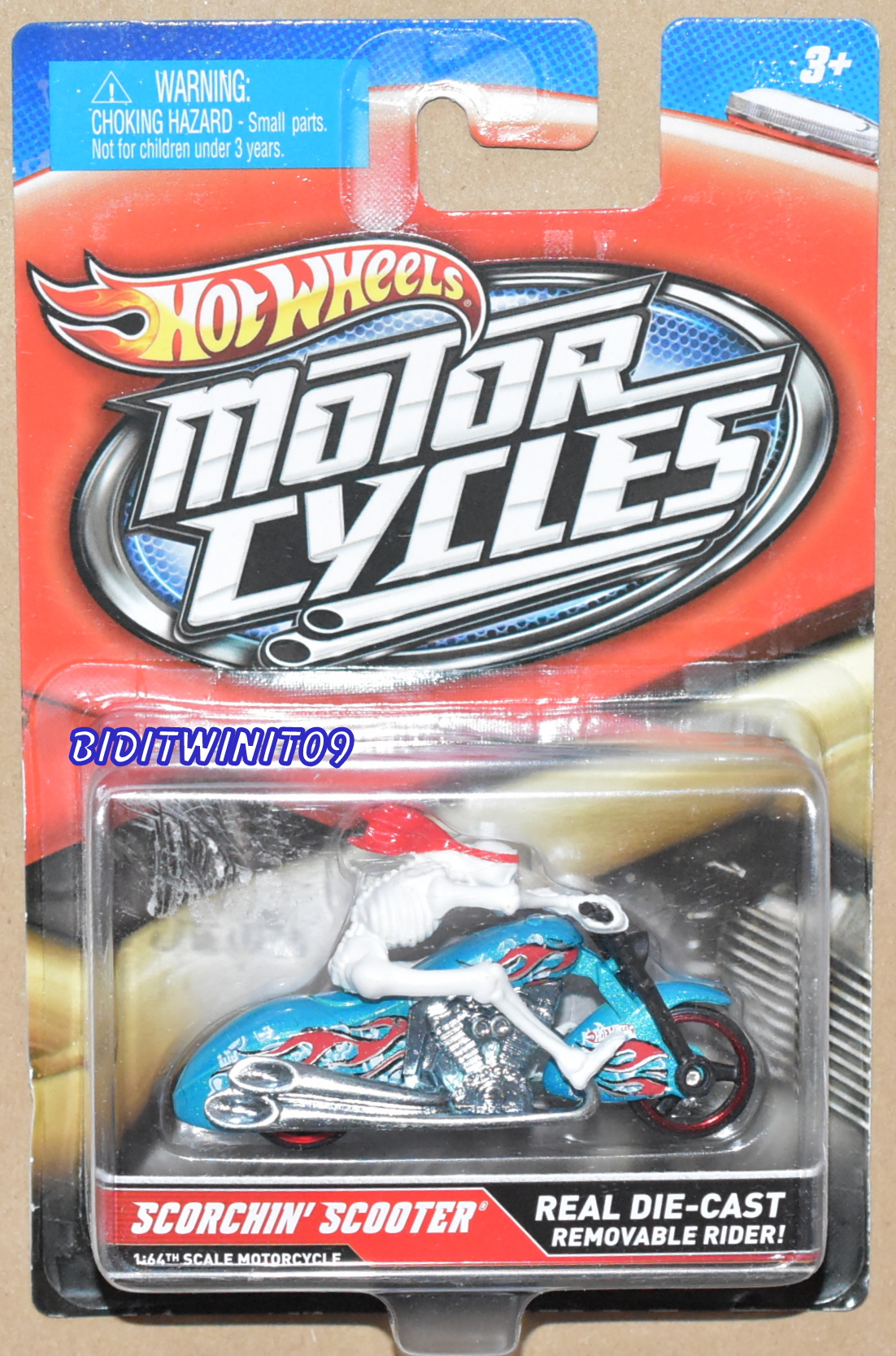 HOT WHEELS MOTOR CYCLES SCORCHIN' SCOOTER' REAL DIE-CAST REMOVABLE RIDER