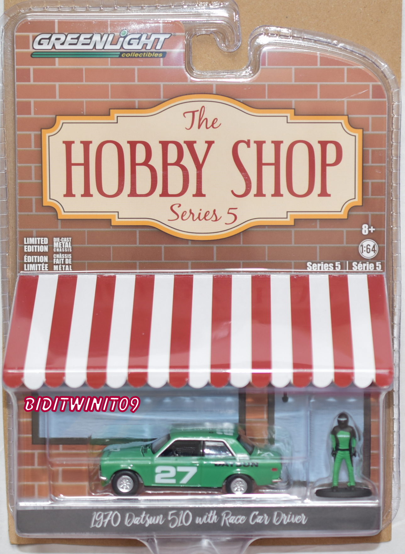 GREENLIGHT HOBBY SHOP SERIES 5 1970 DATSUN 510 WITH RACE CAR DRIVER