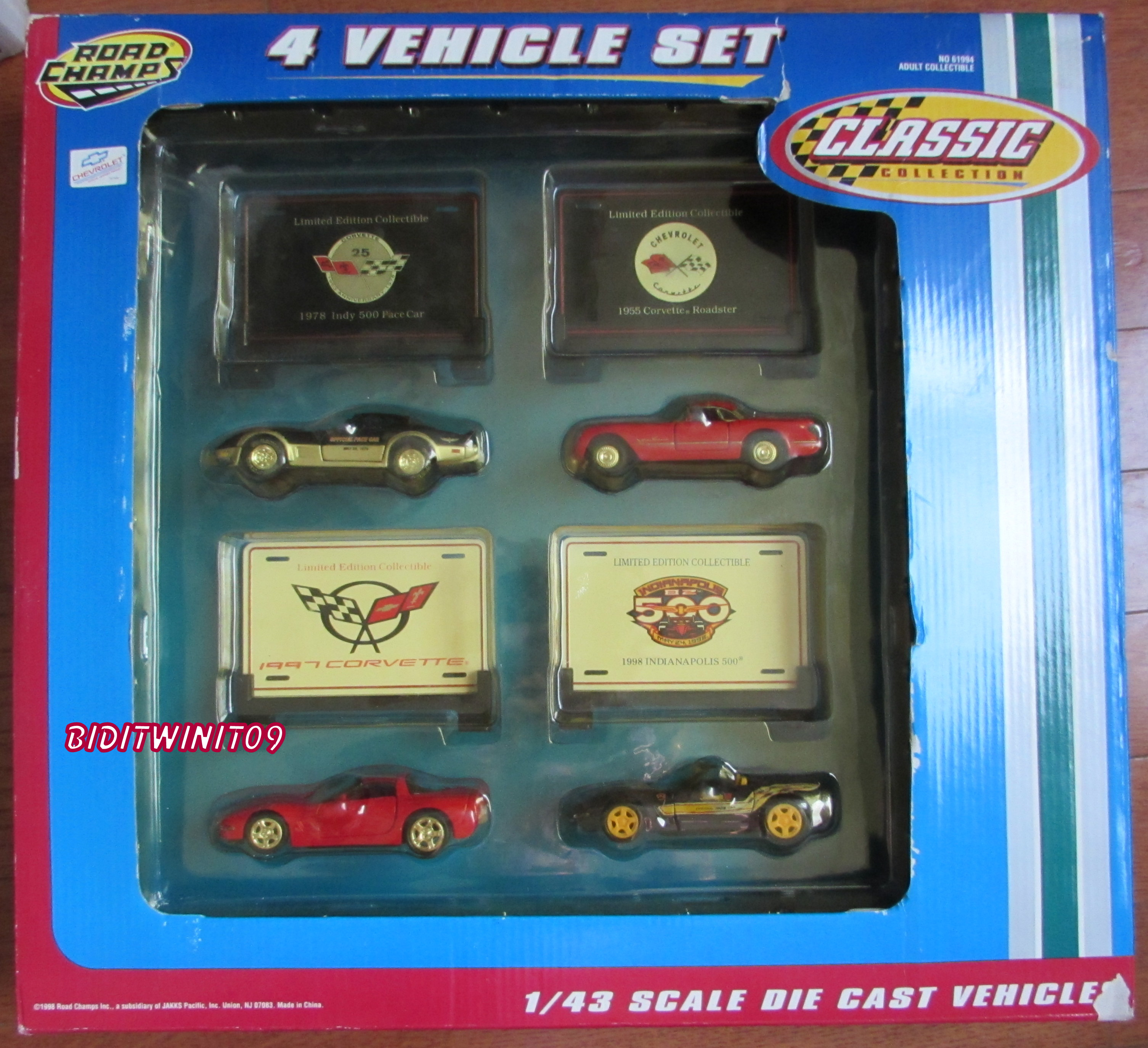 "1/43 ROAD CHAMPS CHEVROLET ""CLASSIC COLLECTION"" CORVETTE 4 VEHICLE SET E+"