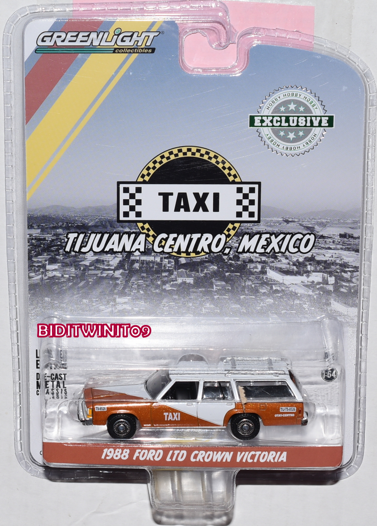 GREENLIGHT HOBBY EXC. 1988 FORD LTD CROWN VICTORIA WAGON - TAXI