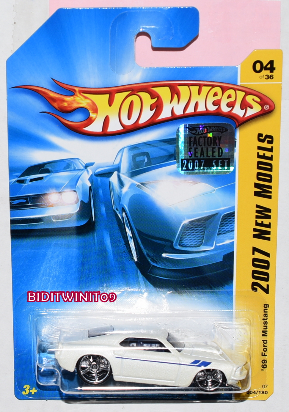 HOT WHEELS 2007 NEW MODELS '69 FORD MUSTANG #04/26 WHITE FACTORY SEALED