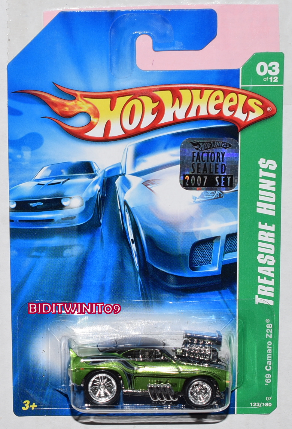 HOT WHEELS GARAGE CORVETTE STINGRAY CONCEPT #07/22 WHITE