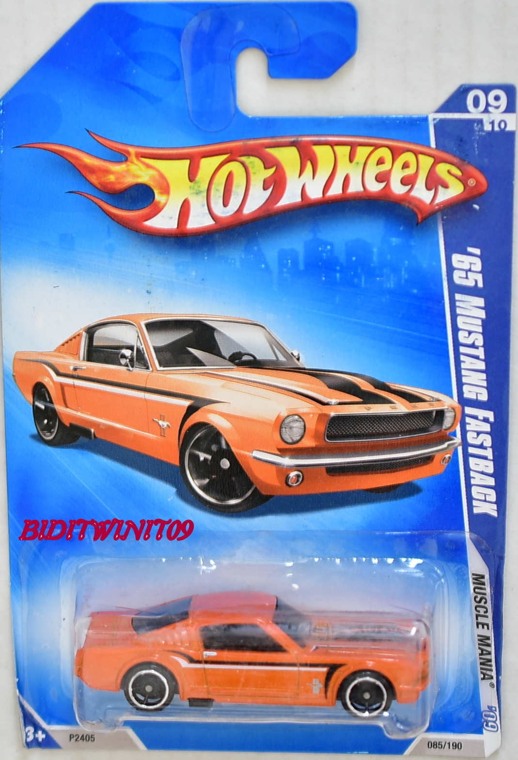 HOT WHEELS 2009 MUSCLE MANIA '65 MUSTANG FASTBACK ORANGE KMART BAD CARD