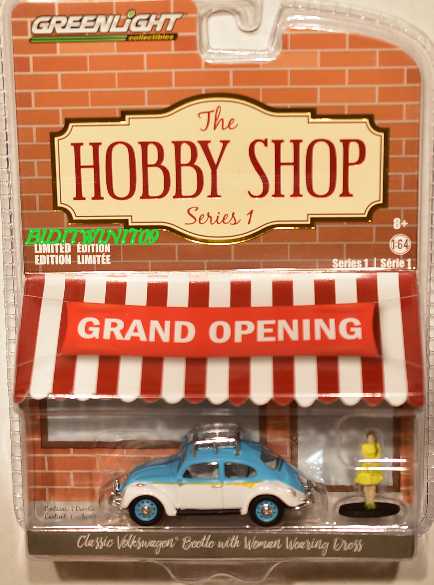GREENLIGHT THE HOBBY SHOP SERIES 1 CLASSIC VW BEETLE WITH WOMAN WEARING DRESS