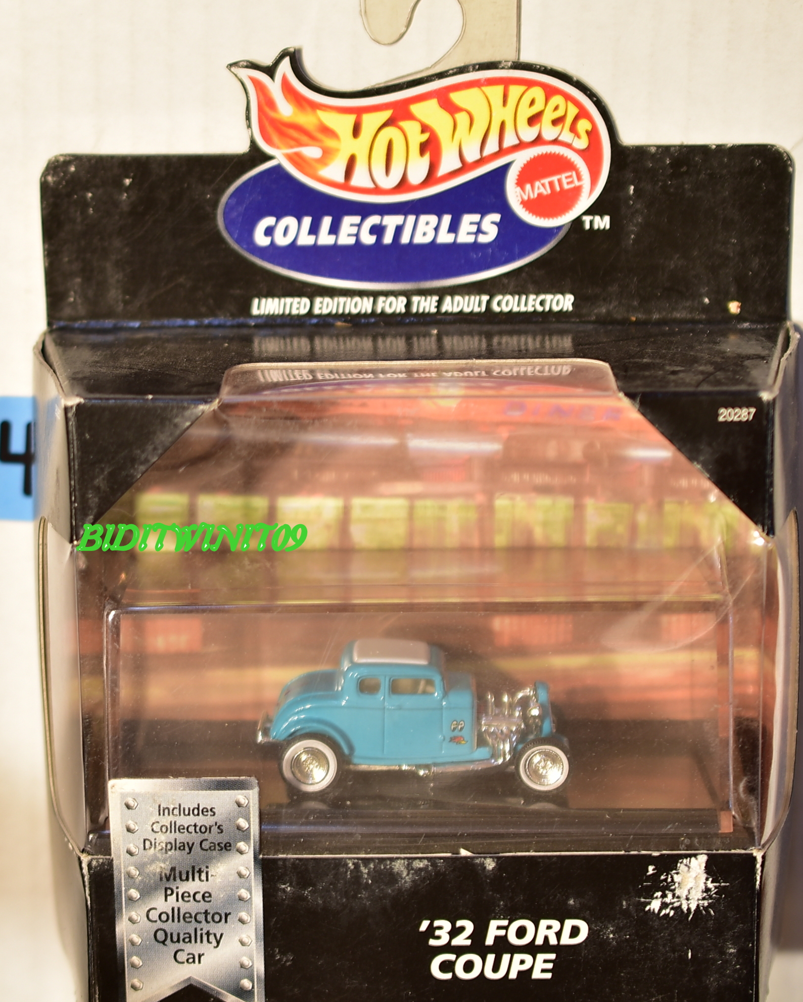 HOT WHEELS COLLECTIBLES '32 FORD COUPE LIGHT BLUE