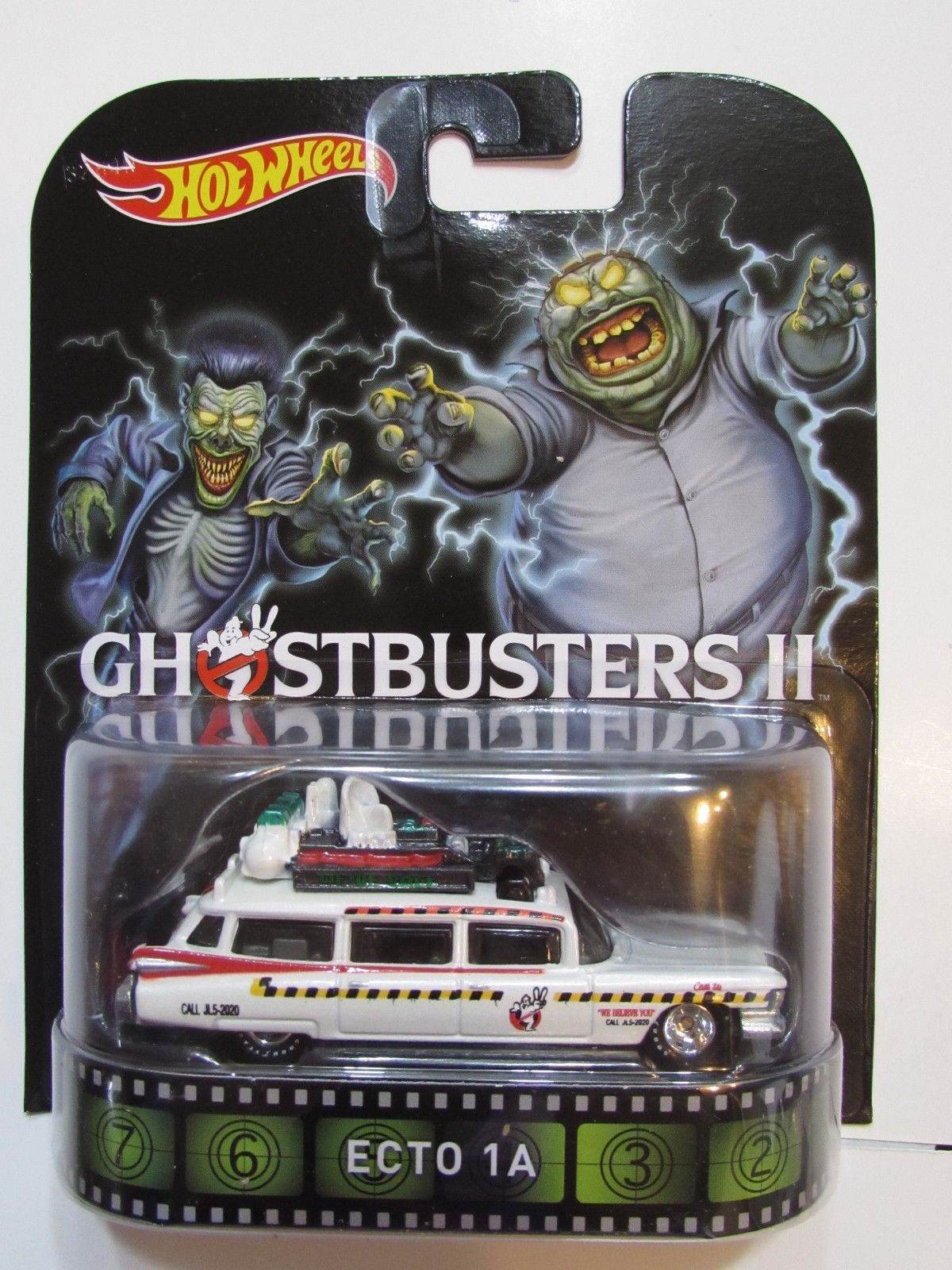 HOT WHEELS RETRO ENTERTAINMENT GHOSTBUSTERS II ECTO 1A