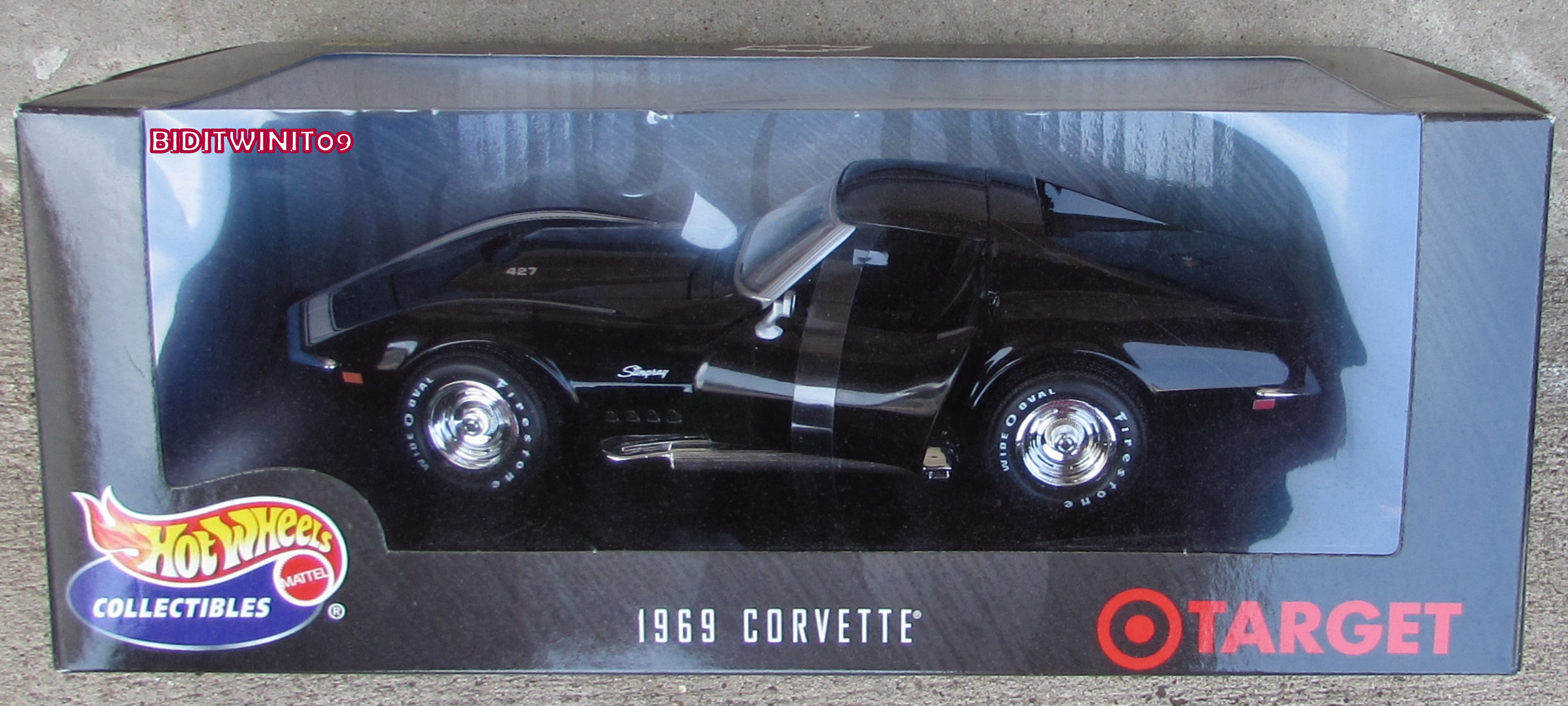 HOT WHEELS COLLECTIBLES TARGET EXCLUSIVE 1969 CORVETTE STINGRAY 1:18 E+