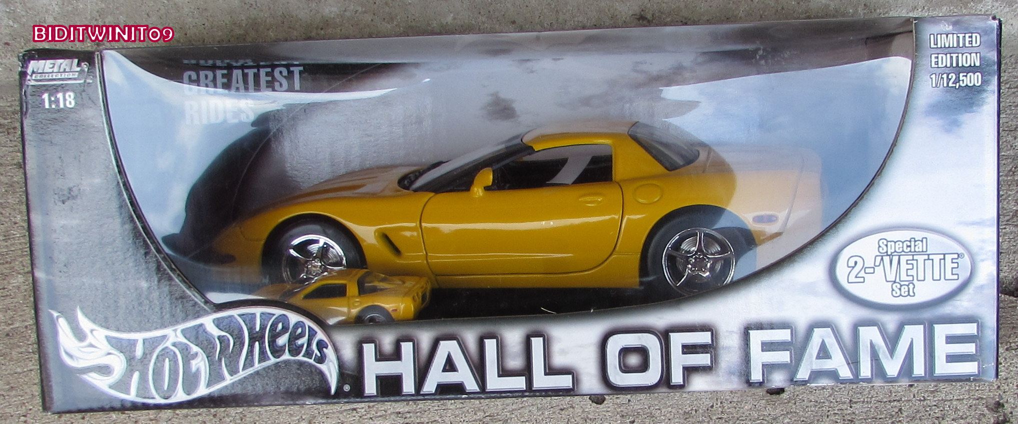 HOT WHEELS HALL OF FAME SPECIAL 2 VETTE SET 1:18 YELLOW E+