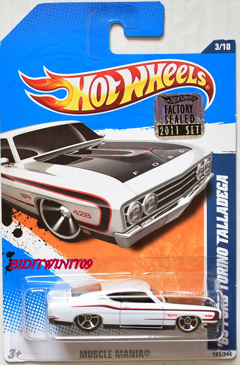 HOT WHEELS 2011 MUSCLE MANIA '69 FORD TORINO TALLADEGA WHITE FACTORY SEALED
